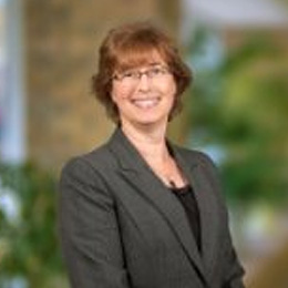 Julie Kuchnicki Vice-President Treasury Management Specialist